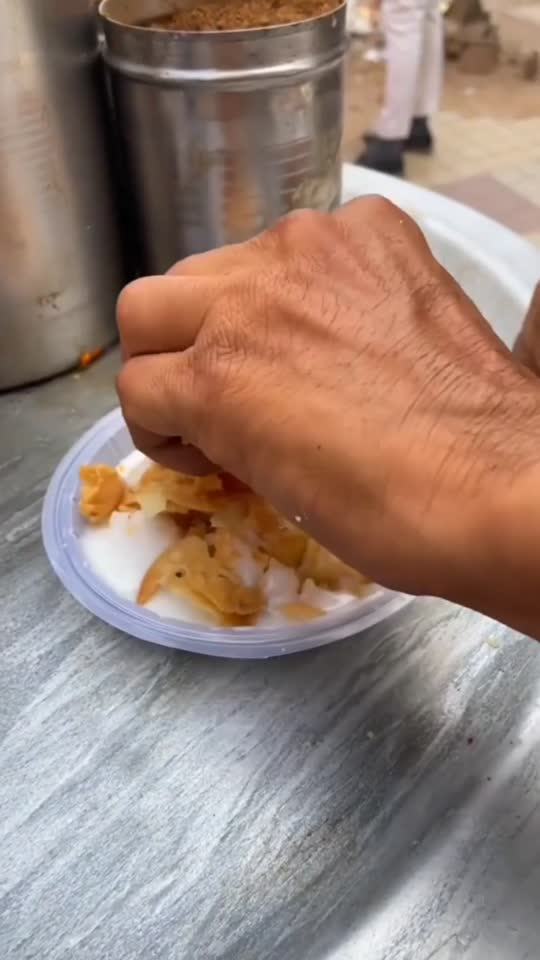 Dahi Paapdi Street food #streetfood#roposo
