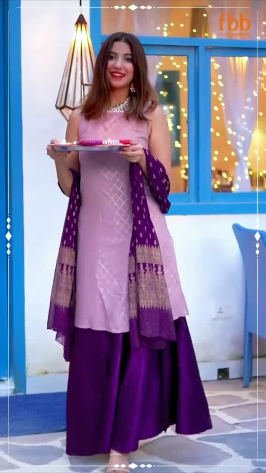 Udi gayi raat  #udigayiraat #chogada #udi #navaratri #duragapuja #happydassare #happynavratri #happynavratri2021 #jaimaa #maa #jaimaadurage #durgapuja #dasahara #roposo #glance #happynavratri #happynavaratri #happyduragapuja #duraga #kali #bhajan #bhakti #bhaktitv #bhakatitv #film #bhajan #fastival #indianfastival #roposotv