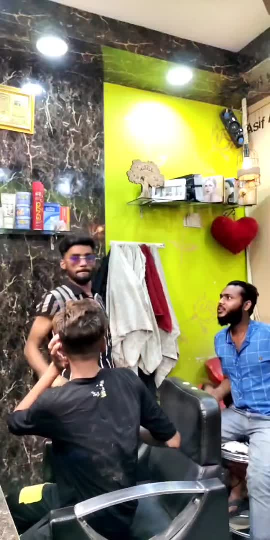 galti kar di Malik Bana ke#roposo #hahatvchannel #viralvideo #tinding #funnyvideo #funny #viralvideo #viral #tiktok-roposo #mxtakatak #comedy #comedyvideo #roposostar #haha-tv #wow