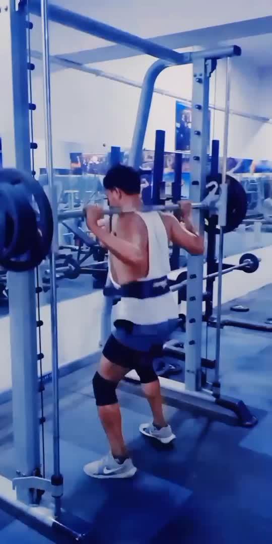 #fitness #gym #motivation #gymlovers #workout #workoutmotivation #legsworkout #legdayneverskip #legdayworkout #legsday #jumpingsquats #squats #squatsworkout #fitnessaddict #fitnessmodel #fitnessfreak #roposo #roposostar #roposostarchannel #roposorisingstar #roposorisingstarchannel