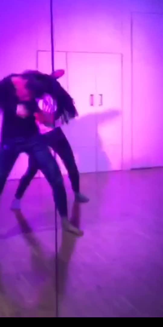 #reposo #reposostar #reposoindia #reposobeats #dancer #bollywoodsong #bollywood #contemporarydance #contemporary #contemporarymoves #hayerama #oldsongs #dancersofinstagram #indiandancer