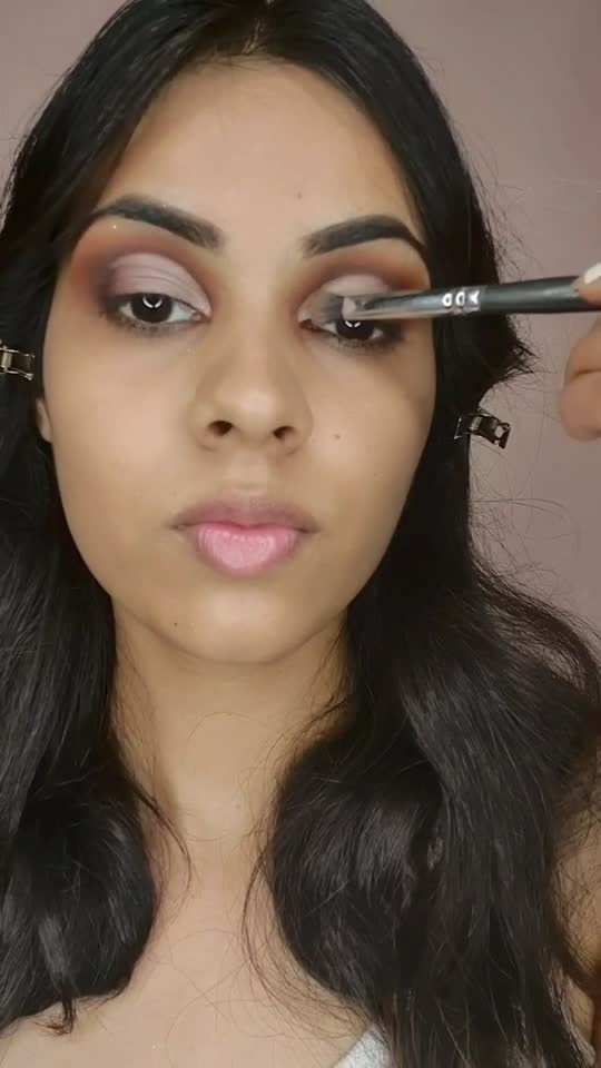 Eye makeup tutorial | cut crease | eye make up for beginners.  #eyemakeuptutorial #eyemakeup #eyemakeupforbegineers #missindia #roposo #roposostar #trending