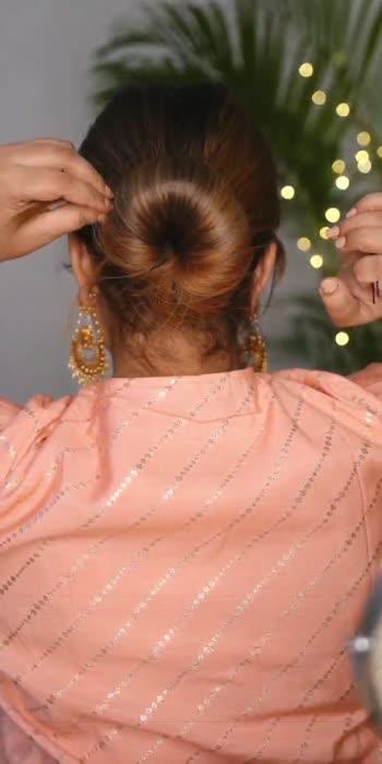 How to make a floral bun under 1 min.  #roposostar #roposo #roposo-beats #roposostars #hairstyle #floralbun #howto #howtostyle #indianfashion #fashion #roposoindia #beautyblogger #hairstyles #bridalhairstyle #diyroposo #diyfashion