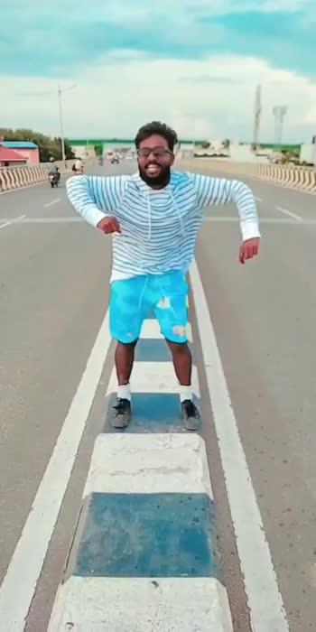 Jolly Mood #trending #viral #viralvideo #roposostar #roposo #viralpost #style #streetwear